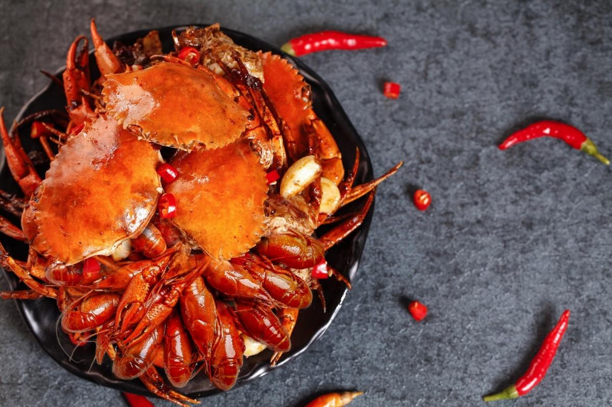 成都明宇丽雅饭店干锅美蛙小龙虾