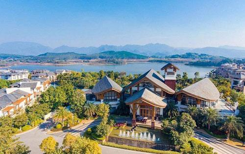 宝墩湖湖山温泉度假村
