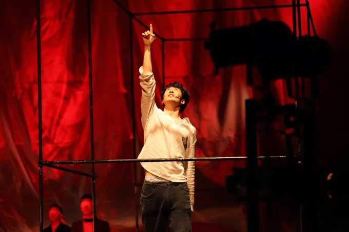 孟京辉经典戏剧作品《恋爱的犀牛》北京站