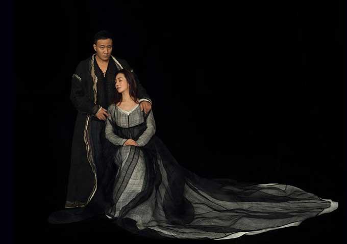 胡军、濮存昕、卢芳、荆浩领衔主演话剧《哈姆雷特》上海站