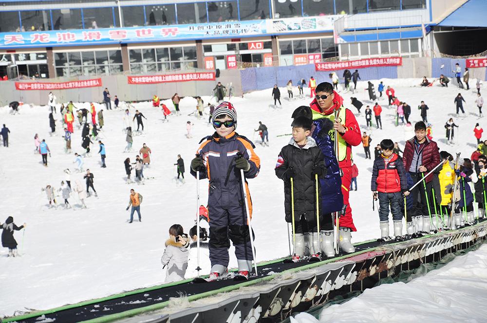 天龙池滑雪场怎么样?天龙池滑雪世界游玩攻略