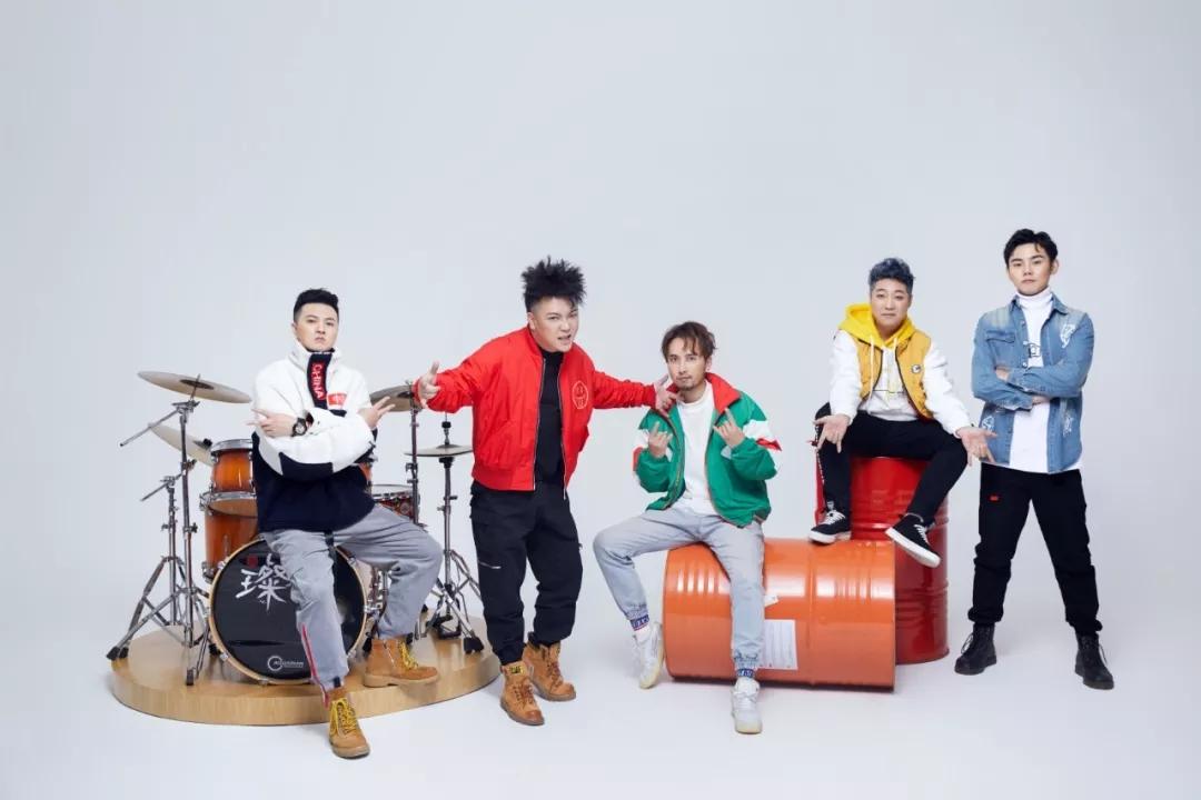 """盛大家族""""我爱重庆""""新年演唱会"""
