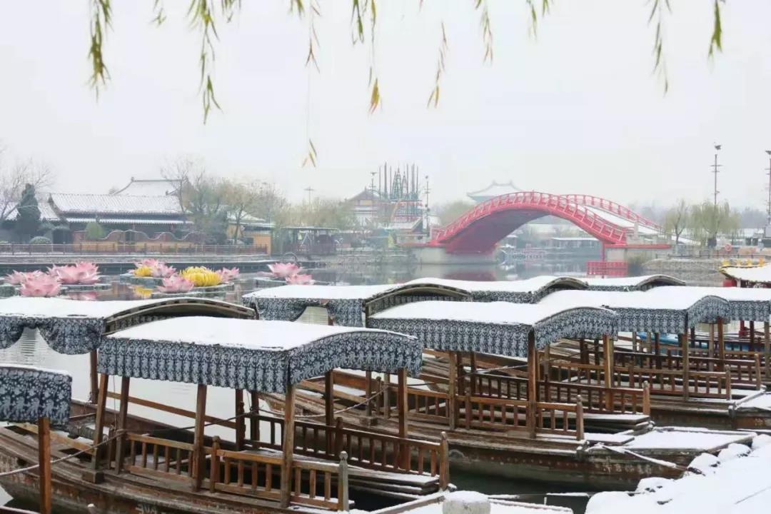 当雪后初霁遇见清明上河园,这种美你从没见识过