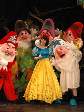 人偶儿童剧《白雪公主与七个小矮人》北京站