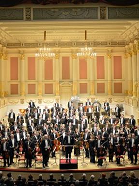 广州布赫宾德&德累斯顿国家管弦乐团演绎贝多芬钢琴协奏曲全集(一)