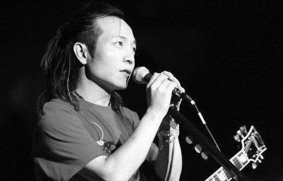 许巍,这个50岁不羁的少年,时隔6年带着新专辑回来了!