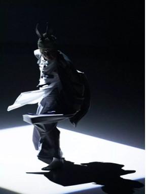 舞剧《兔子先生:时间的跑者》厦门站