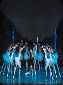 古典芭蕾舞剧《天鹅湖》青岛站