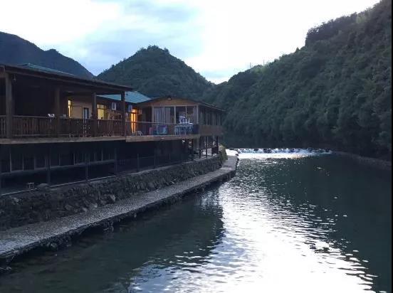 天子地生态风景旅游区