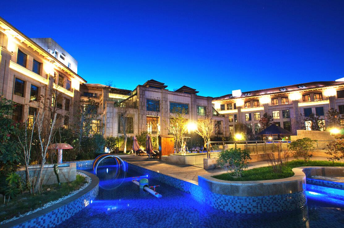 翡翠丽池温泉度假酒店