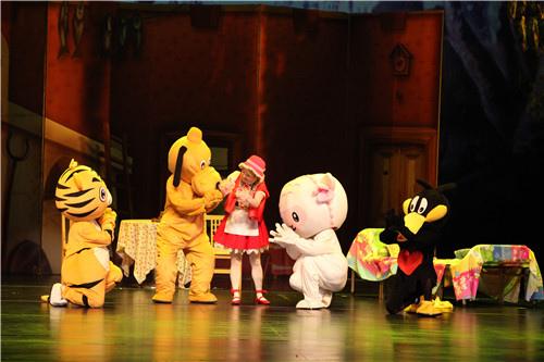 百老汇式儿童剧《小红帽》重庆站