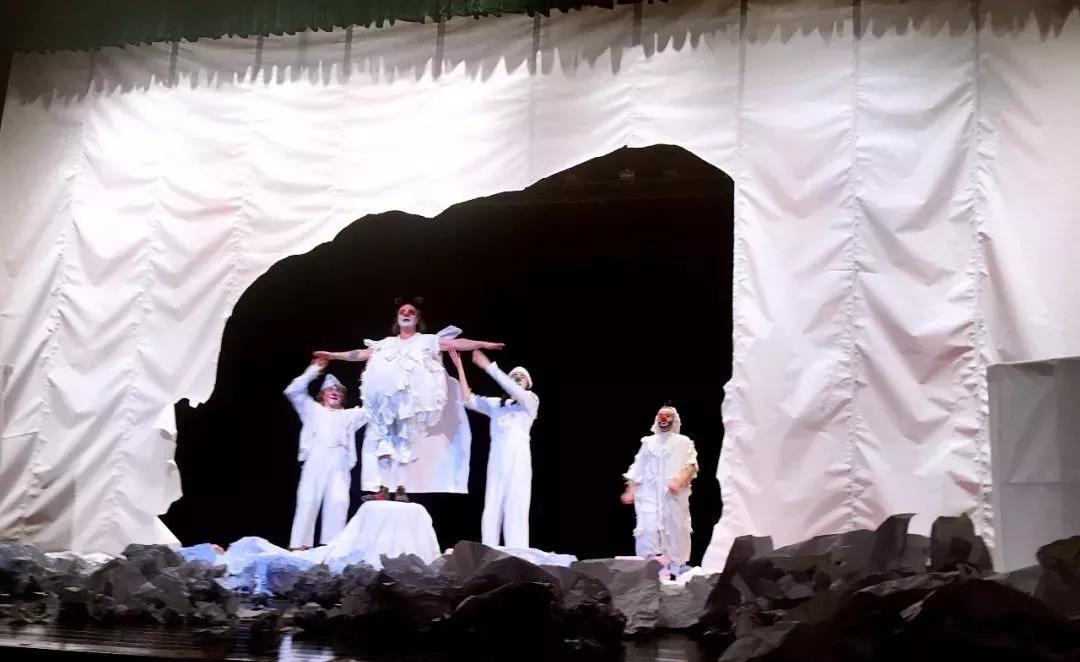 2019亲子互动默剧《疯狂的废纸世界》成都站