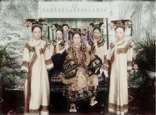 话剧《德龄与慈禧》上海站