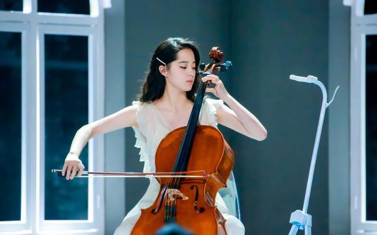 欧阳娜娜2019十周年音乐会南京站