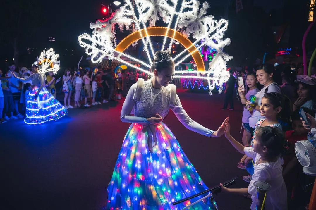 2019武汉欢乐谷HOHA电音节夜游丛林
