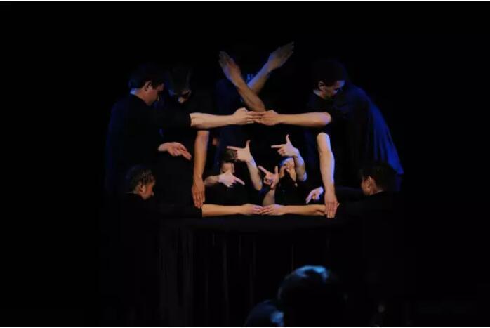 《魔法师的白手套》郑州演出门票