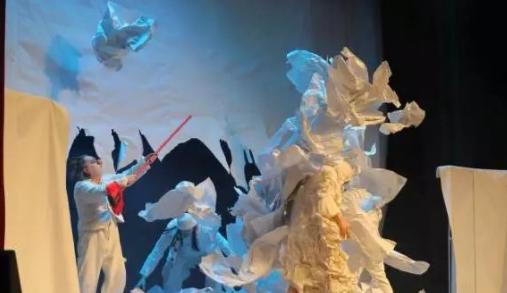 2019乌克兰经典亲子默剧《疯狂的废纸世界》重庆站
