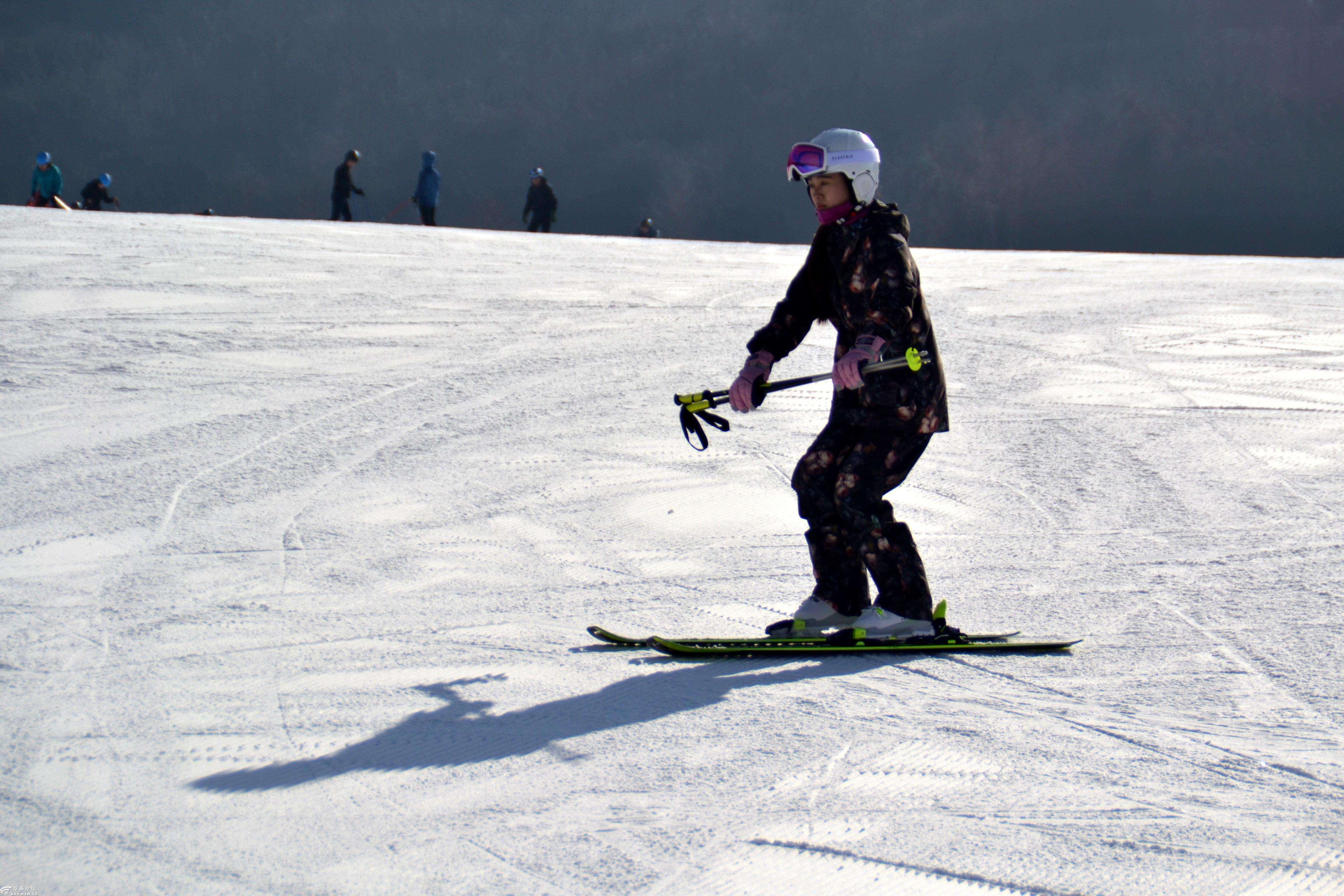 鳌山滑雪场门票多少钱,鳌山滑雪场大学生滑雪节