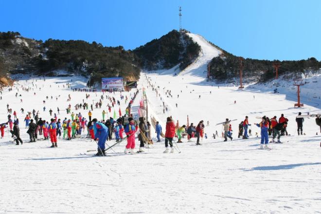 云佛滑雪场