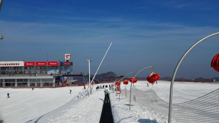 中岳嵩顶滑雪场门票,中岳嵩顶滑雪票价,中岳嵩顶滑雪游玩攻略