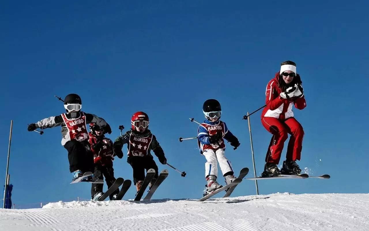 豫��滑雪��r格表,豫��滑雪�鲩T票�r格,豫��滑雪�鲩T票多少�X