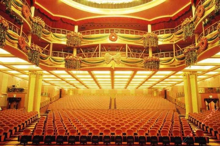 金色歌剧院