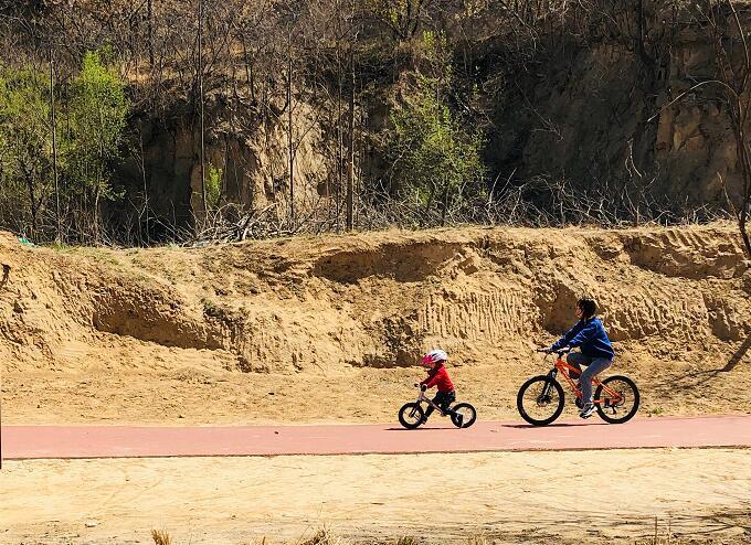 建业足球小镇骑乐园