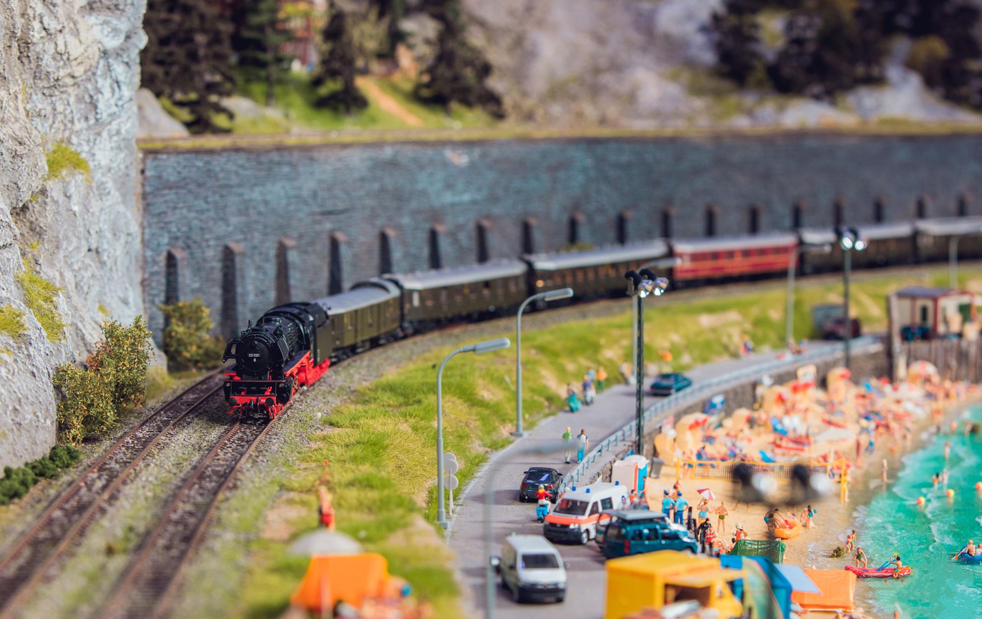 上海大梦微城火车模型迷你世界主题乐园