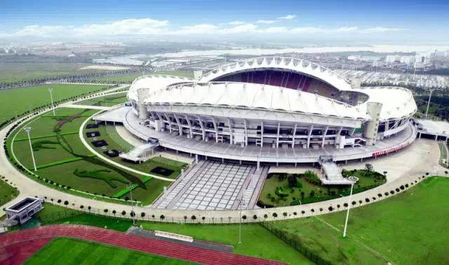 武汉体育中心体育场