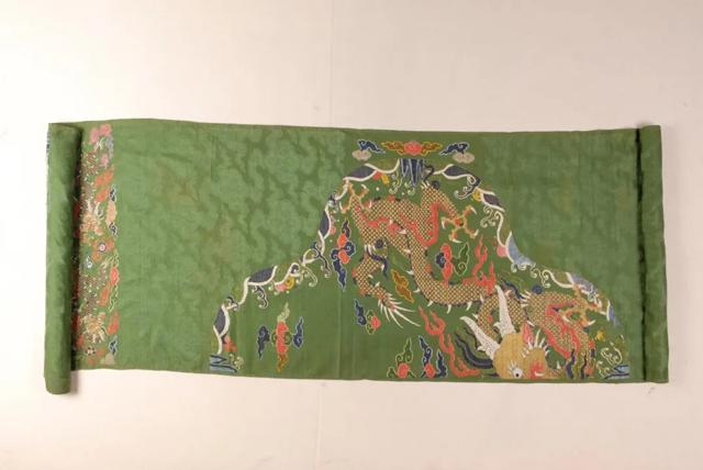 清代绿地妆花蟒缎1.png