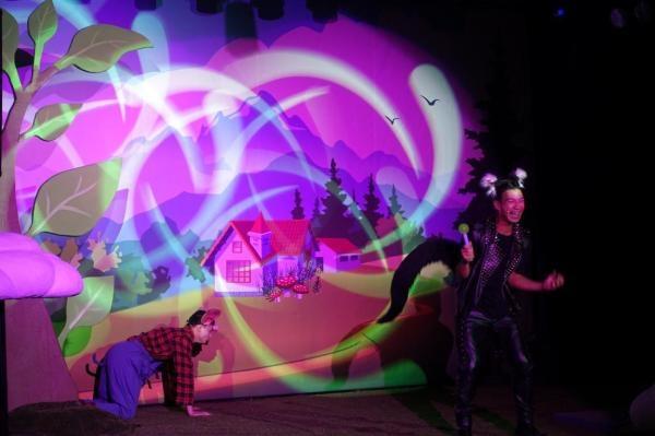 儿童益智音乐剧《三只小猪》
